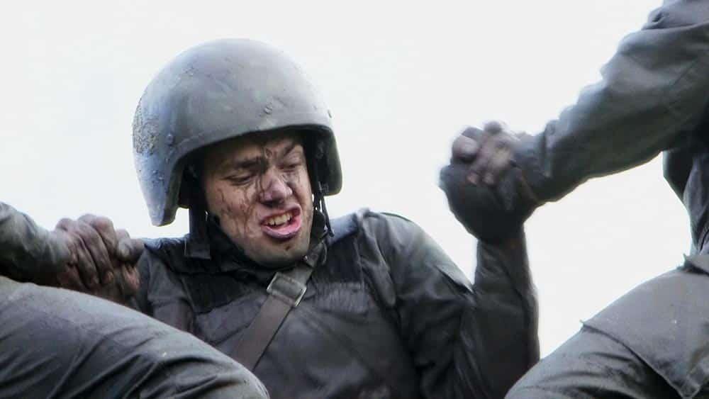 Un soldat russe en souffrance dans le film Un fils de Abaturov
