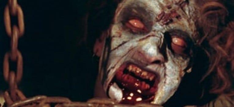 Cheryl en démon dans Evil Dead de Sam Raimi